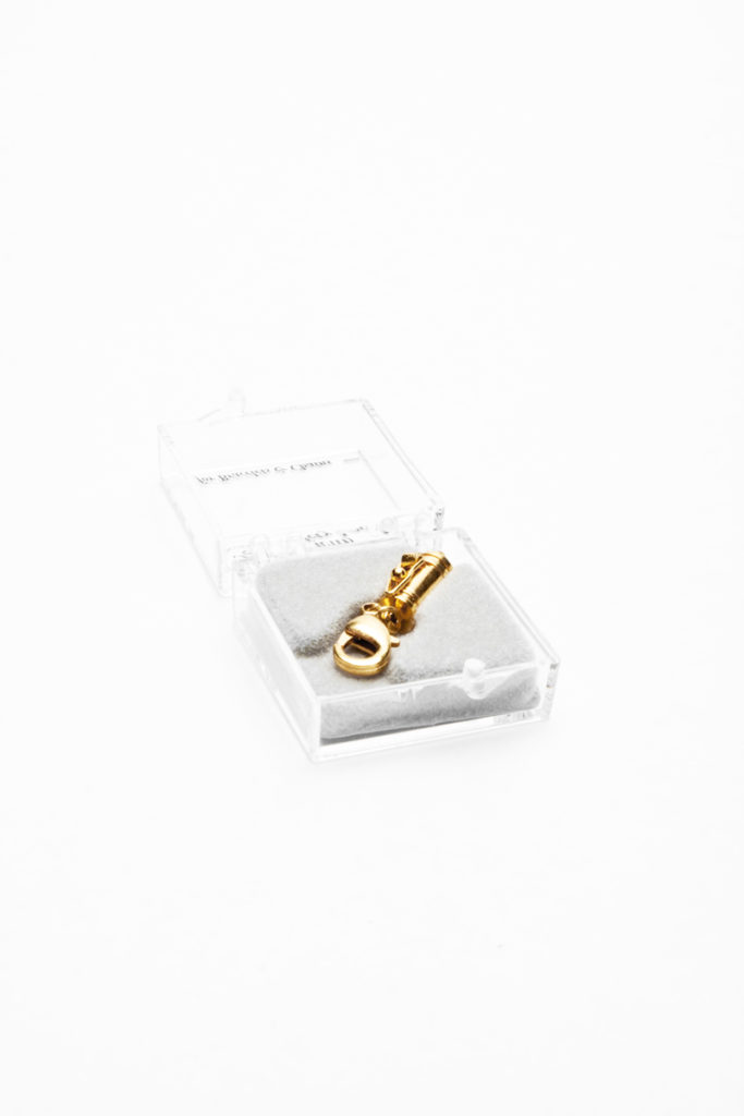 MAGCLG122–Magnetic-Clasp-w.-Safety-Clasp-Gold-Tone-(2)2
